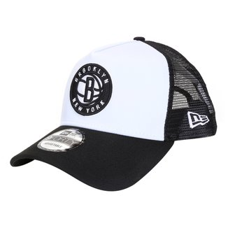Boné New Era NBA Brooklyn Nets Aba Curva Snapback Trucker 940 Core Logo