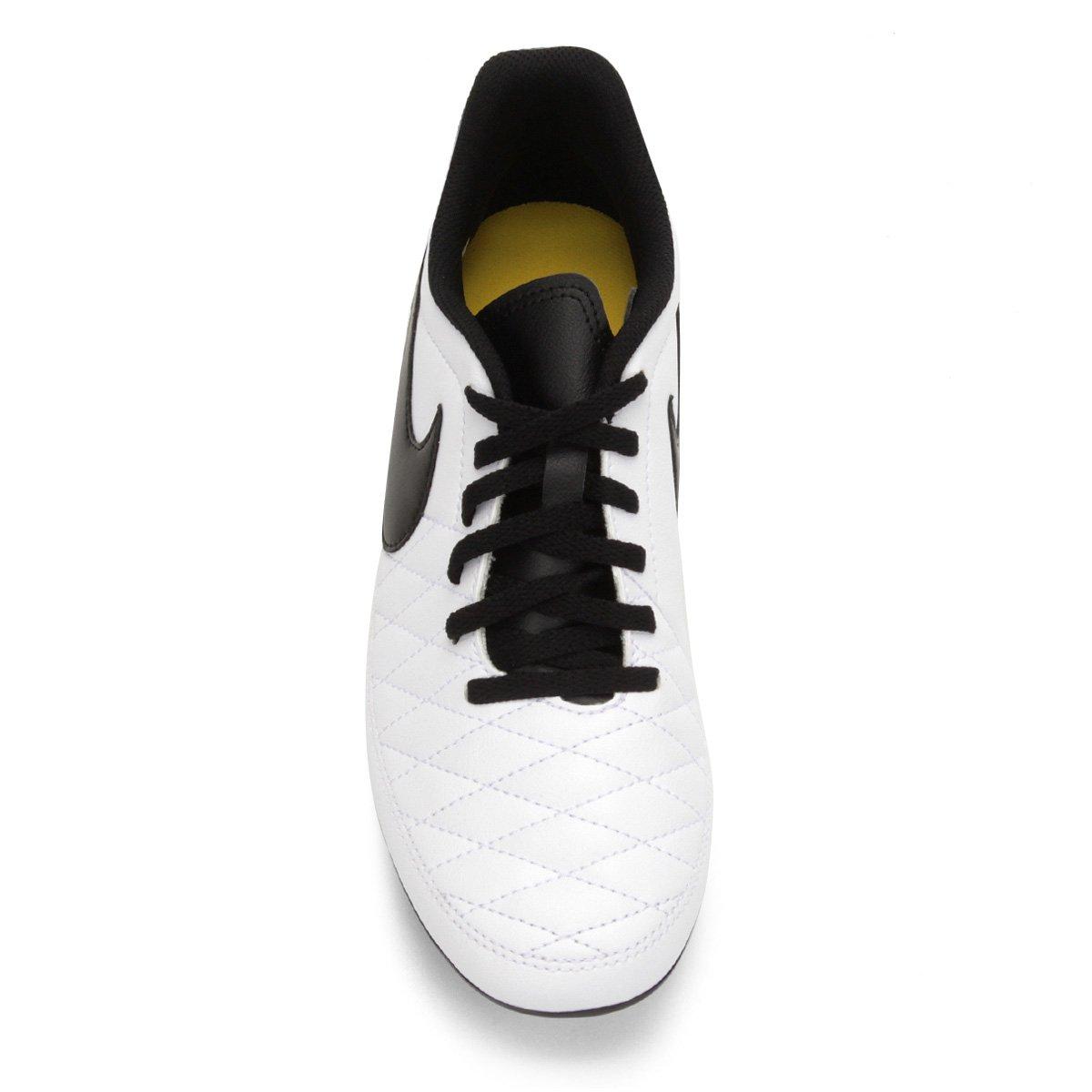 5aee316ef0 Chuteira Campo Nike Majestry FG - Branco e Preto - Compre Agora ...