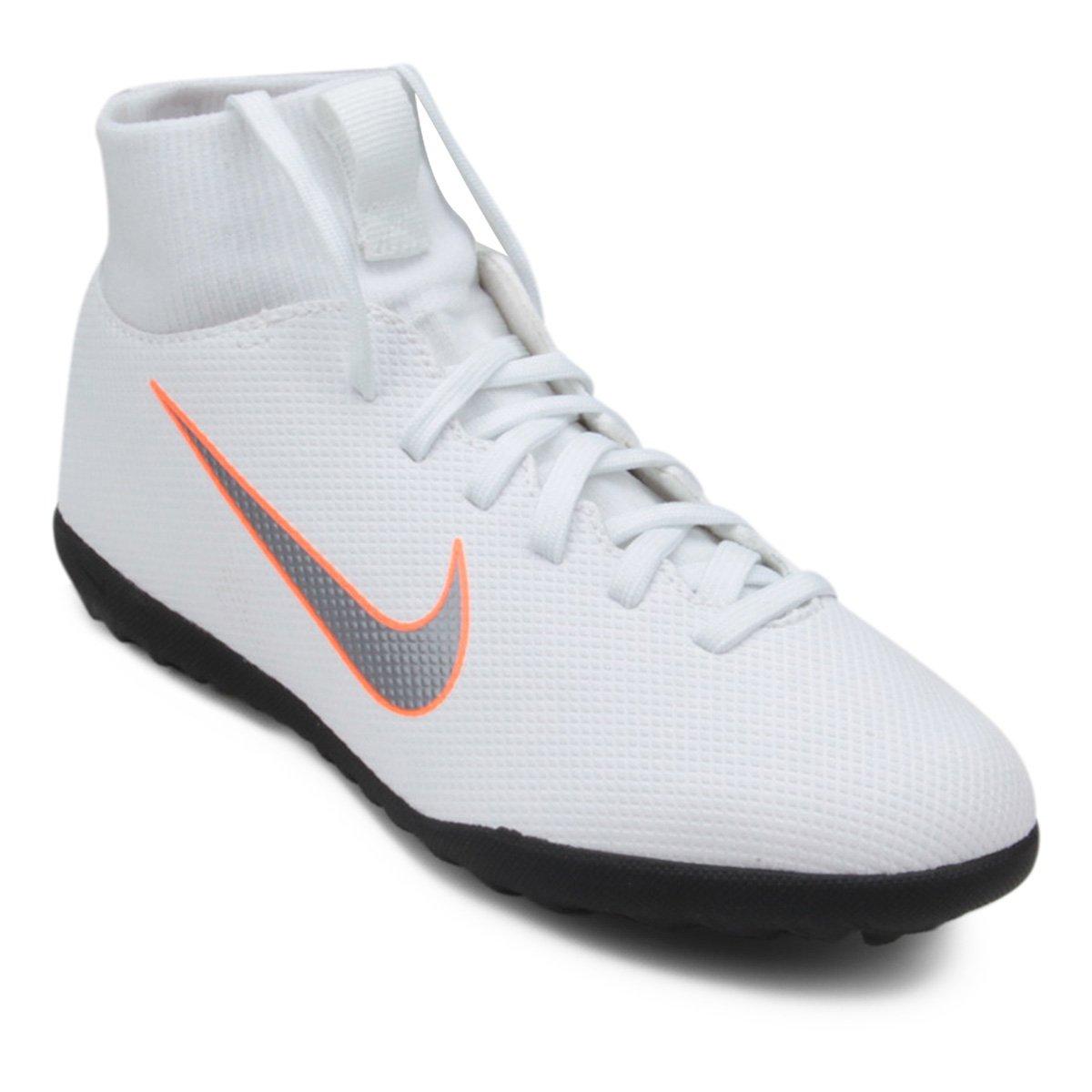 5c4f3f5e71612 Chuteira Society Infantil Nike Mercurial Superfly 6 Club - Branco e Cinza -  Compre Agora